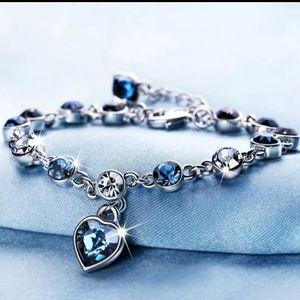 🎀Australian Crystal  Bracelet with Heart Charm